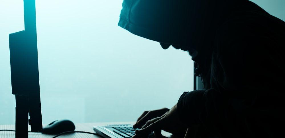 防衛省OBへサイバー攻撃!政府職員装いウィルスメール、中国が関与か