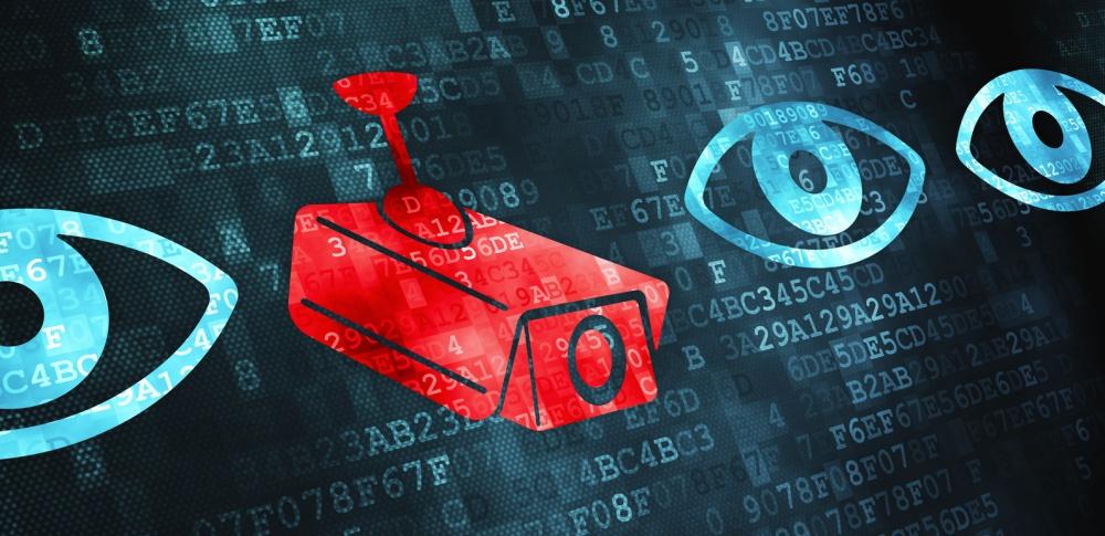 狙われるウェブカメラ、ハッキング方法や覗き見サイトの現状、有効な対策について