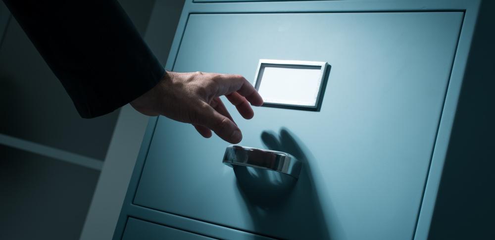 医師が患者情報366件を外部に持ち出し紛失|福知山市