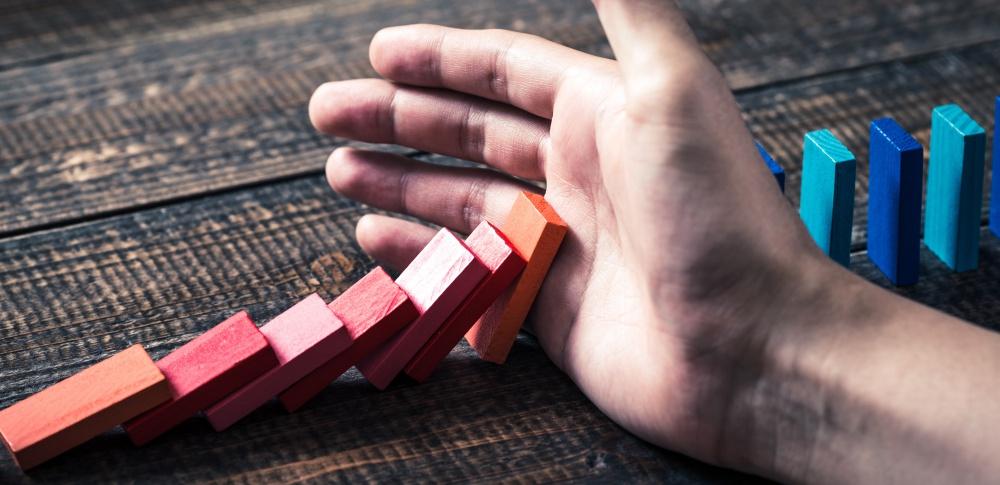 リスクマネジメントとは、リスクアセスメントとの違いや具体的プロセスついて徹底解説