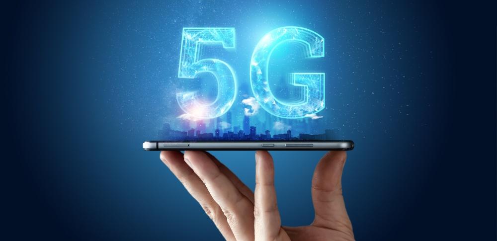 5Gとは?4Gとの違いやメリットデメリット、セキュリティ対策まで徹底解説