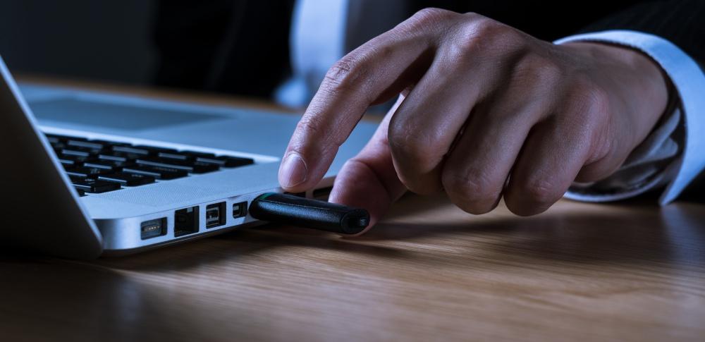ベネッセ個人情報流出事件、1,000円の賠償責任を認める|大阪高裁