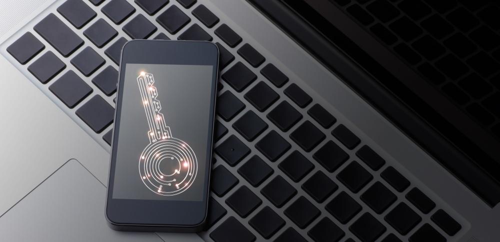 スマホやパソコンのパスワード解除、初期化しないでパスロック解除する方法や専門業者を徹底解説